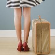 donna-valigia-viaggio_550x574