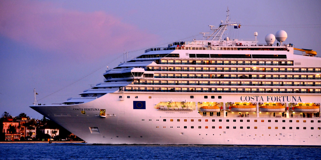 Cruise Ship Photography By Lee Crowley Via Flyckr
