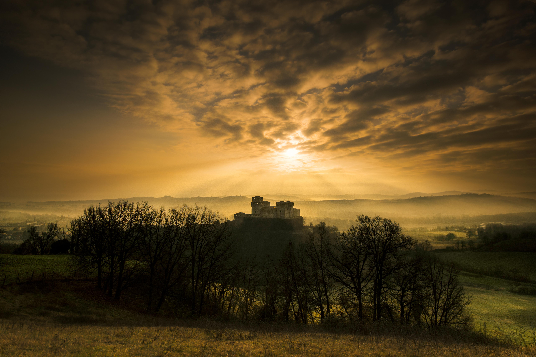 Torrechiara_luci_al_tramonto_Lara-Zanarini